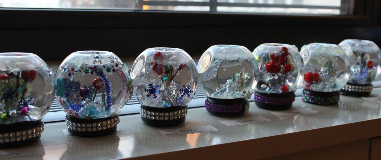 TN-snow globes in a row